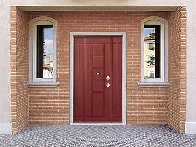 Какую входную дверь выбрать для частного дома?